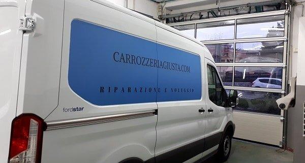 Noleggio furgoni Roma furgone al interno della carrozzeria giusta